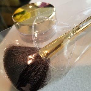 bareMinerals Makeup - Bareminerals Pure Radiance PLUS Light stroke Brush
